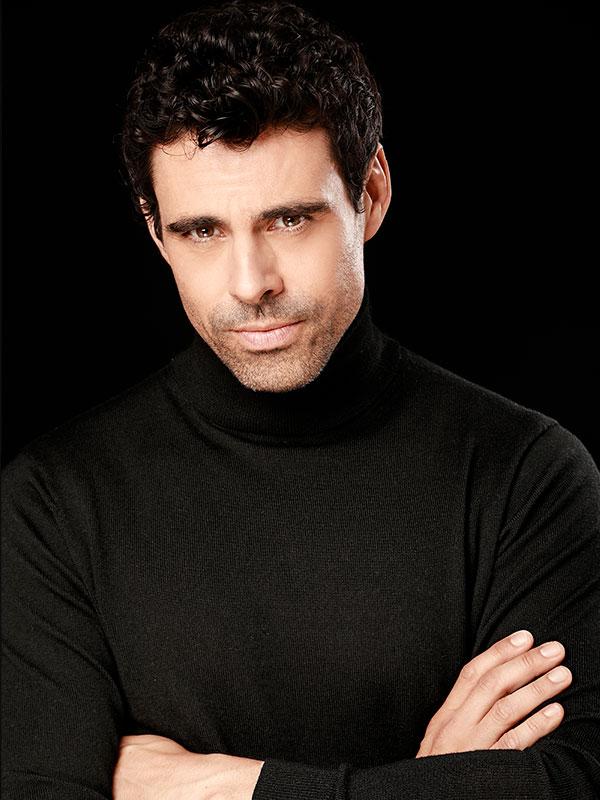 Emmanuel Esparza actor